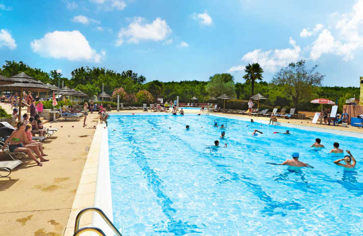 Domaine de Chaussy Pool Activities