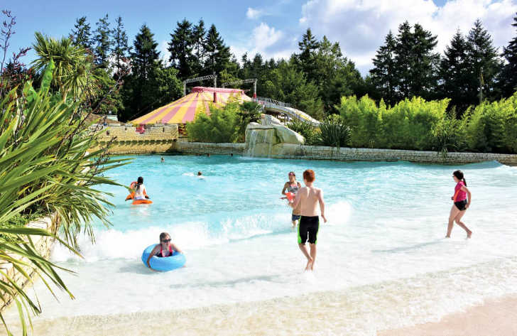Domaine des Ormes Swimming Pool