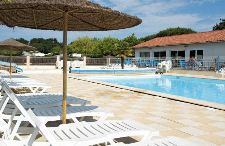 Domaine d'Oleron Pool Loungers