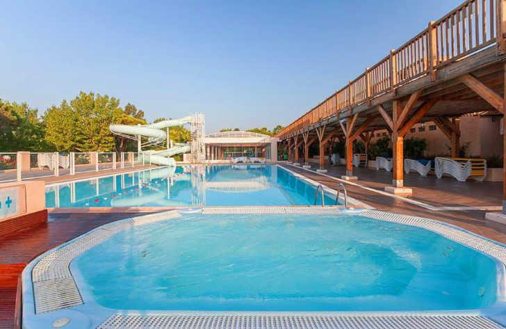 Douce Quietude Pool Area