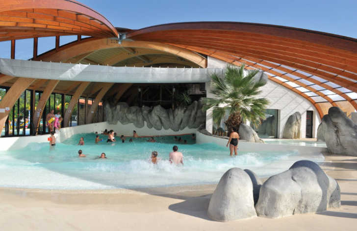 La Rive Covered Wave Pool