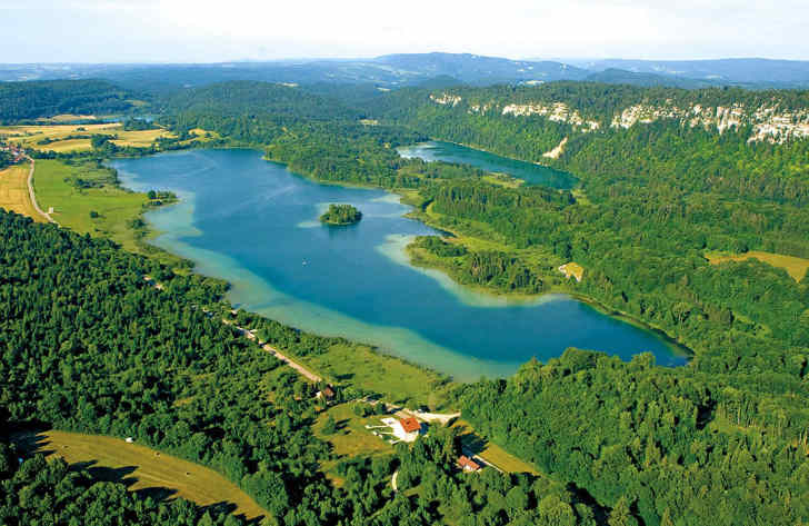 Domaine de Chalain Best for Lakes