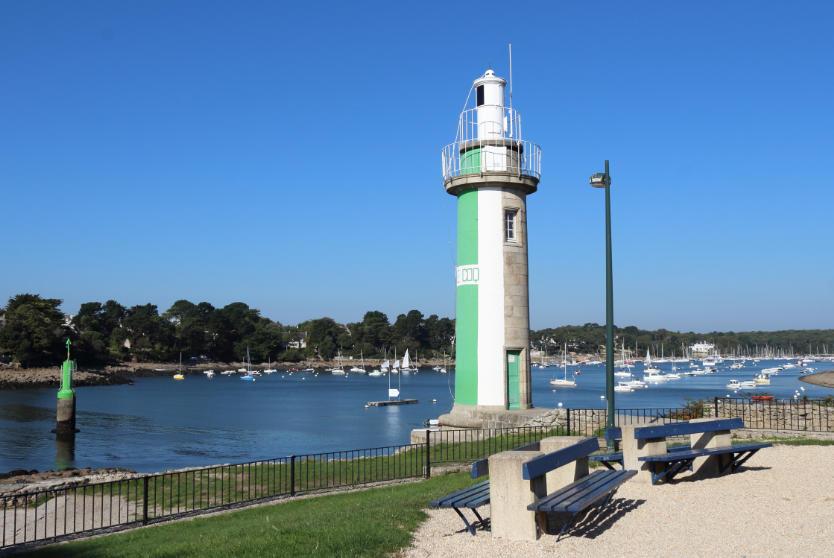 Le Coq Lighthouse, Benodet