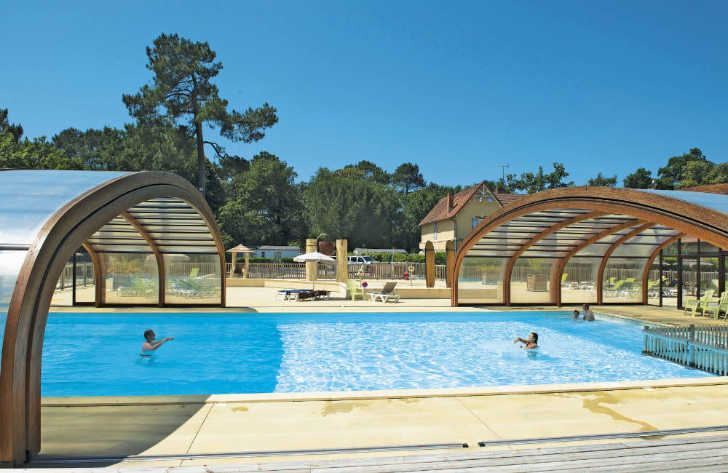 Le Soleil de Landes Covered Pool Outdoor