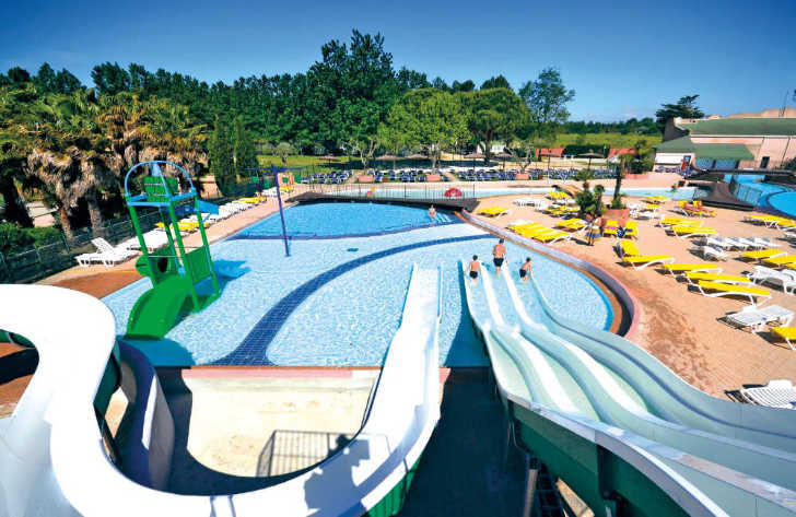 Le Soleil Swimming Pool Slides