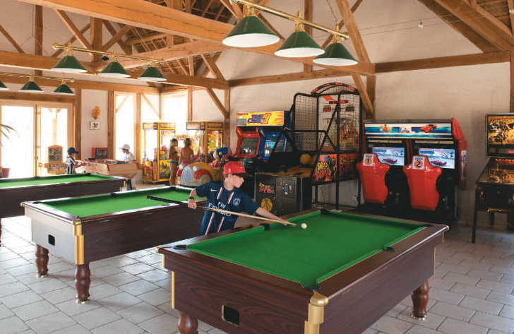 Les Alicourts Games Room