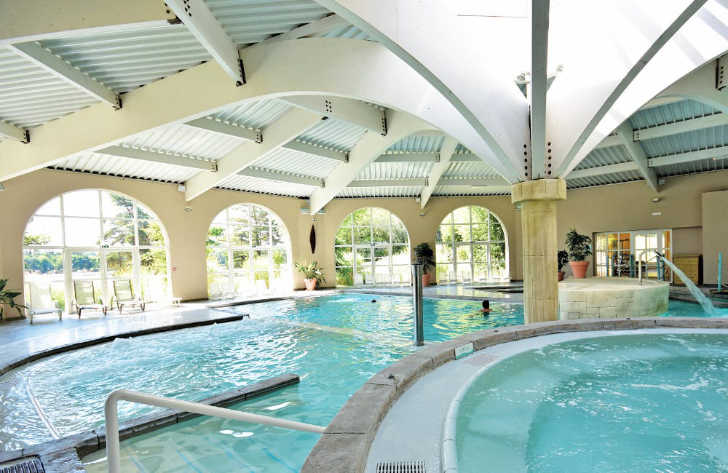 Les Alicourts Indoor Pool
