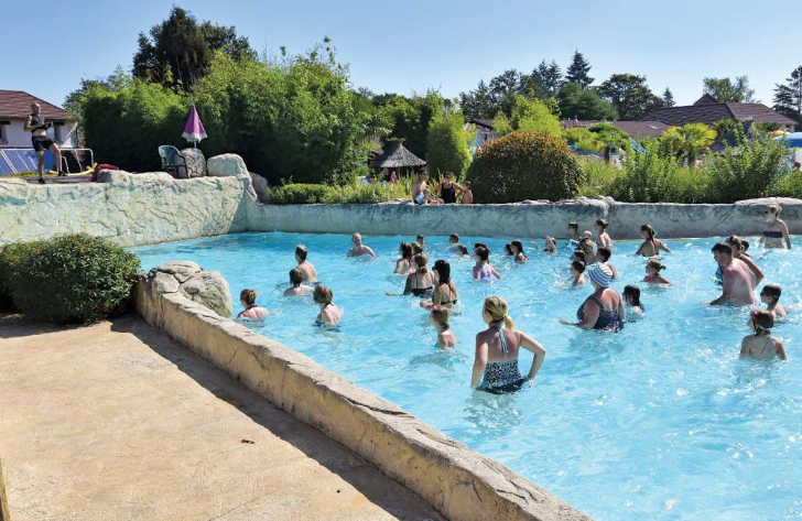Les Alicourts Pool Fitness