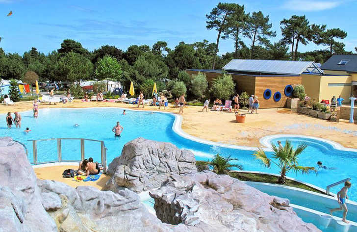 Yelloh Village les Pins Swimming Pool Complex